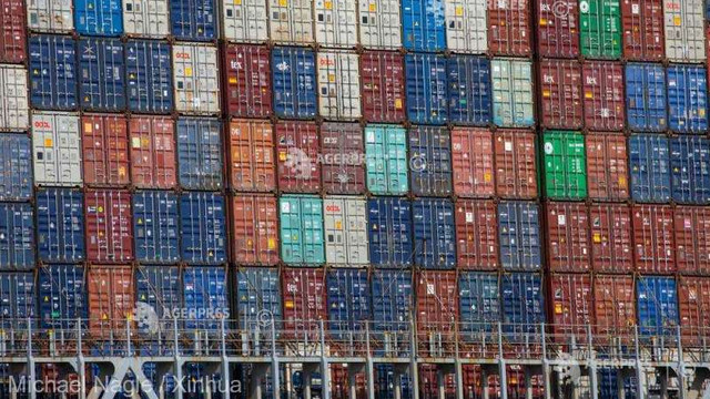 Excedentul balanței comerciale a zonei euro a crescut în luna iunie comparativ cu mai