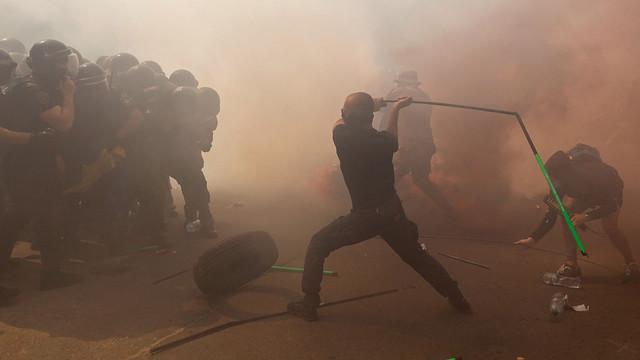 Ucraina | Poliția a intervenit la Kiev împotriva unor demonstranți violenți în apropierea sediului președinției