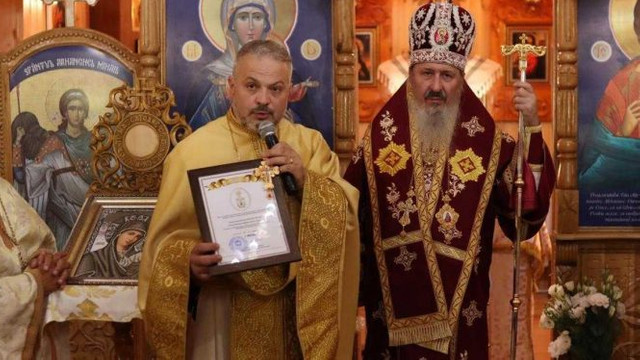 Preotul care a ridicat pe malul Nistrului o biserică maramureșeană în cinstea Sf. Brâncoveni, distins cu Crucea Mitropoliei Basarabiei