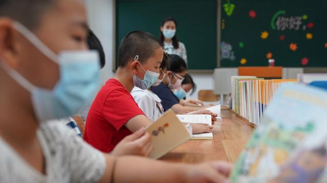 China interzice examenele scrise în ciclul primar, pentru a mai reduce din presiunea asupra elevilor