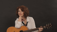 Fonograful de vineri | Cantautoarea Dana Florian
