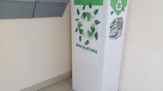 În scările blocurilor locative din Chișinău se colectează maculatură în vederea reciclării