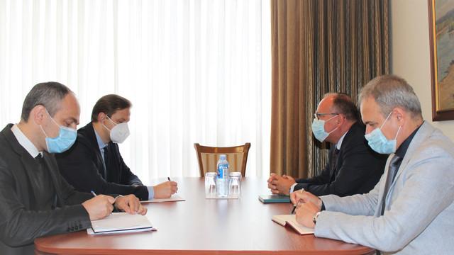 Vicepremierul Vlad Kulminski a avut o întrevedere cu ambasadorul României, Daniel Ioniță. Situația școlilor cu predare în limba română din stânga Nistrului, pe agenda discuției