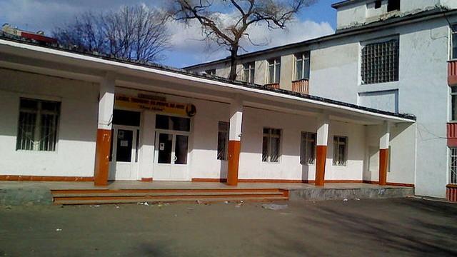 """Finalizarea lucrărilor de eficientizare energetică a clădirii liceului """"Elena Alistar"""