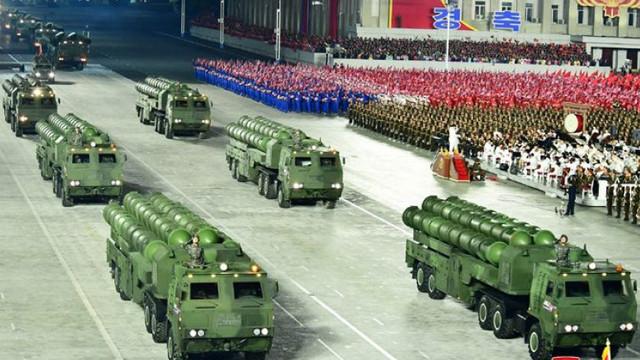 Coreea de Nord pregătește o paradă militară. Cum se folosește Phenianul de astfel de evenimente