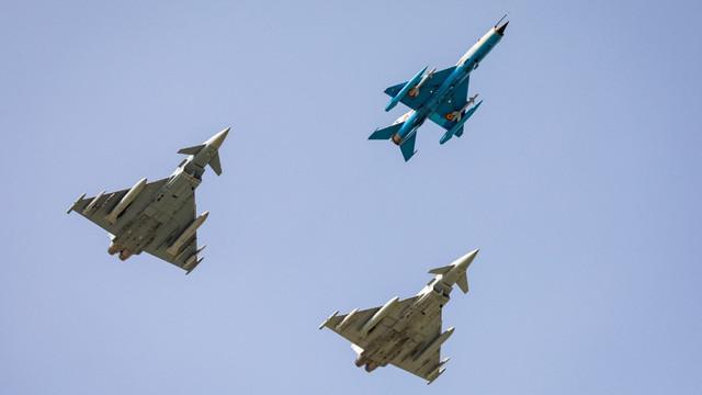 CF-188 Hornet de la Kogălniceanu, testate rapid de ruși. Canadienii au interceptat avioane Su-24 în apropiere de spațiul aerian românesc