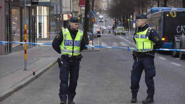 Suedia: Guvernul angajează mai mulți polițiști pentru a combate violențele în care sunt folosite arme de foc