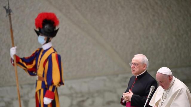 Decizie surprizătoare la Vatican: Se pregătește primirea de femei în rândul Gărzilor Elvețiene