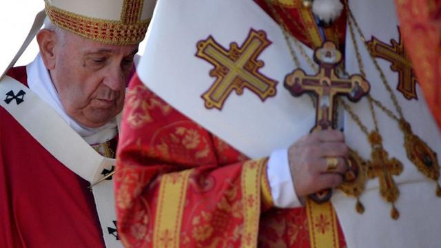 """Papa Francisc spune că religia nu trebuie exploatată în scopuri politice. """"Crucea nu este un steag pe care să-l fluturăm"""""""