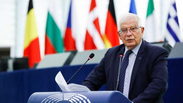 UE susține că nu are altă opțiune decât de a discuta cu talibanii