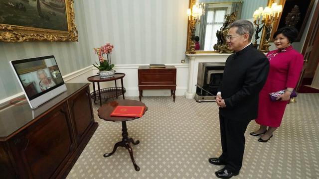 Ambasadorului chinez în Marea Britanie i-a fost interzisă intrarea în Parlamentul de la Londra