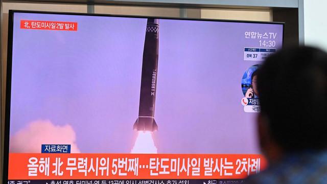 VIDEO | Coreea de Nord și Coreea de Sud au lansat rachete balistice în aceeași zi