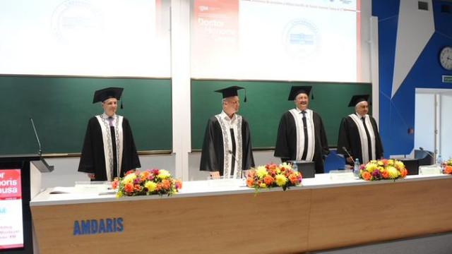 Rectorii a două universități din România, titluri academice primite la Chișinău