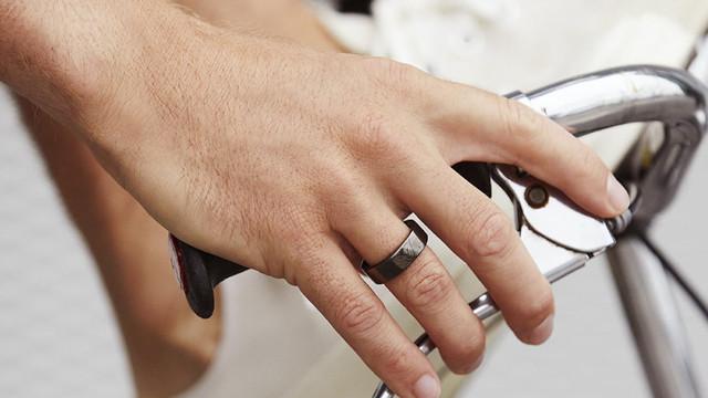 Inelul inteligent care facilitează plăți contactless a fost lansat în Japonia