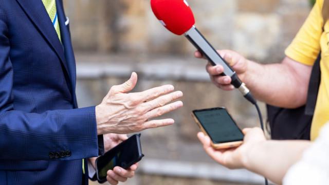 Comisia Europeană cere statelor membre să îmbunătățească siguranța jurnaliștilor