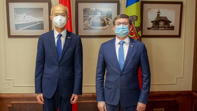 Președintele Parlamentului s-a întâlnit cu Ambasadorul Republicii Populare Chineze, Zhang Yinghong