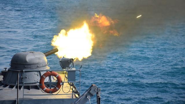 Nave rusești au început exerciții cu muniție reală în Marea Neagră