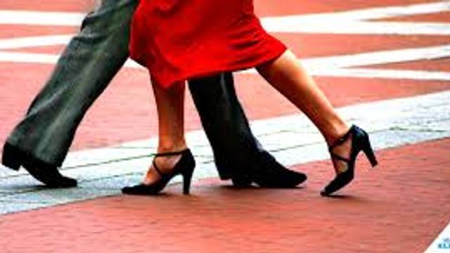 Un oraș din Ungaria ridică o interdicție în vigoare de aproape o sută de ani de a dansa tango