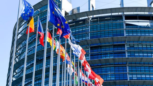 43 de europarlamentari cer Comisiei Europene să investigheze rolul Gazprom în creșterea prețurilor gazelor naturale în Europa