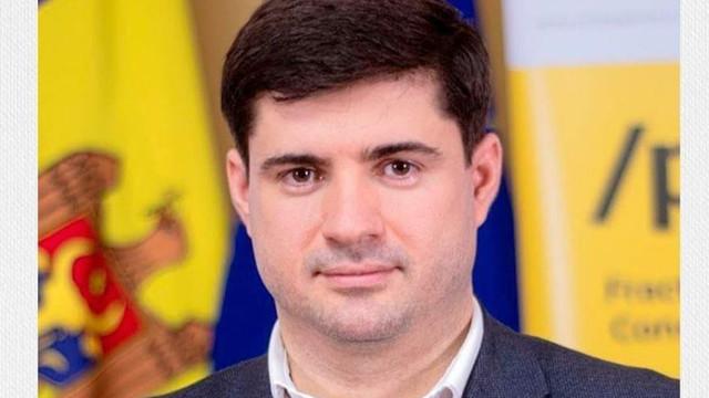 """Noul șef al întreprinderii """"Poșta Moldovei"""" va păstra și funcția de consilier PAS în cadrul CMC"""