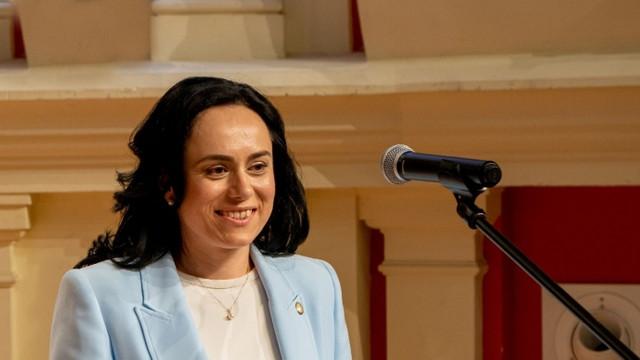 """Președintele Comisiei pentru administrație publică din Parlamentului României, Simona Bucura-Oprescu: """"Cea mai bună colaborare între colectivitățile locale nu poate fi făcută decât prin structurile care le reprezintă"""""""