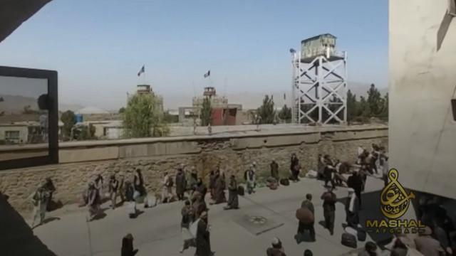 VIDEO | Închisoarea din Kabul unde foștii deținuți, eliberați de talibani, au devenit gardieni