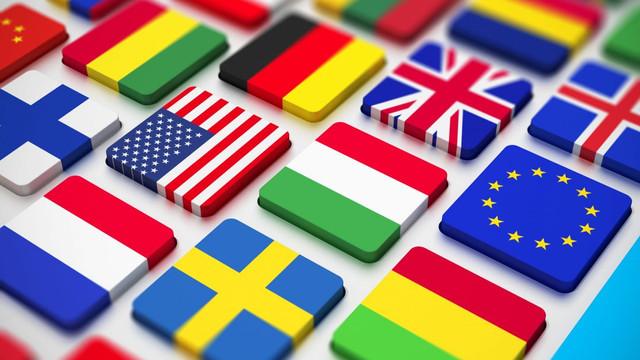 Eurostat: Elevii români, fruntași în UE la studierea limbilor străine