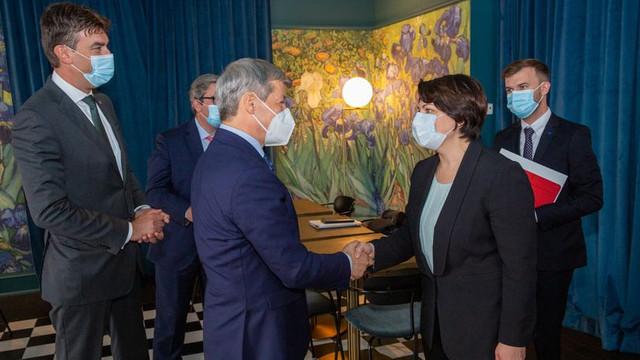 Dacian Cioloș s-a întâlnit la Bruxelles cu prim-ministrul Republicii Moldova: Voi ajuta la deblocarea cât mai multor dosare care țin de cooperarea cu UE și România