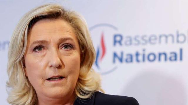 Franța | Marine Le Pen propune înscrierea în Constituție a 'priorității naționale' și un referendum pentru 'controlul imigrației'