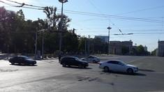 Circulația transportului rutier, sistată pe străzile din centrul Chișinăului