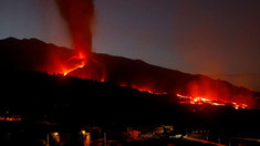 Vulcanul de pe insula spaniolă La Palma continuă să erupă