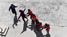 China va elabora o lege ce prevede pedepsirea părinților ai căror copii au comportamente nepotrivite