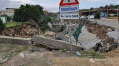 O persoană a murit după ce un uragan mediteranean s-a abătut asupra sudului Italiei