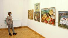 Doi artiști plastici și-au expus lucrările la un muzeu din capitală