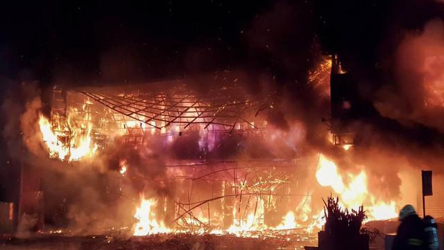 Cel puțin 46 de morți într-un incendiu izbucnit la o clădire cu 13 etaje din Taiwan