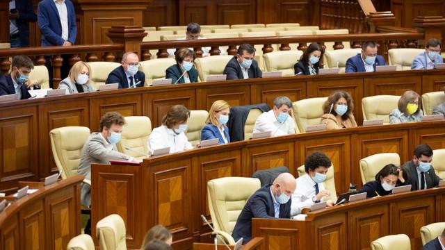 """Deputații au votat în prima lectură pentru anularea """"secretului offshore"""""""
